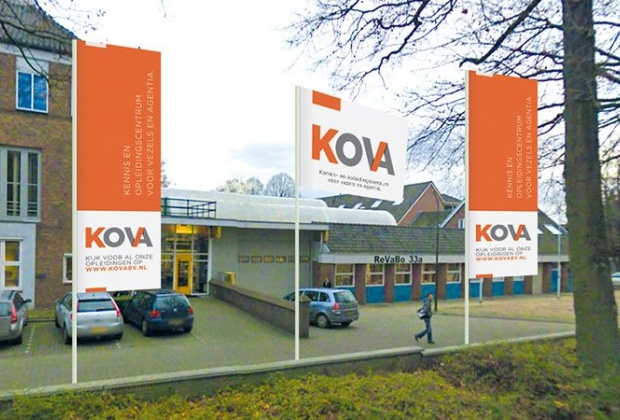 kova-vlaggen-aanzicht-entree-ontwerpen-ingang